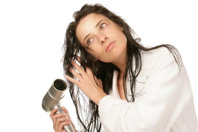 Debes cuidarte para controlar la caída de pelo. Foto: Shutterstock