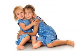 Es bueno respetar la jerarquía entre hermanos. Foto: Shutterstock