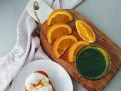 Batido verde con tosta de huevo. Foto: BelindaI. Gómez.